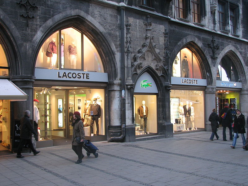 Butik Lacoste w Monachium