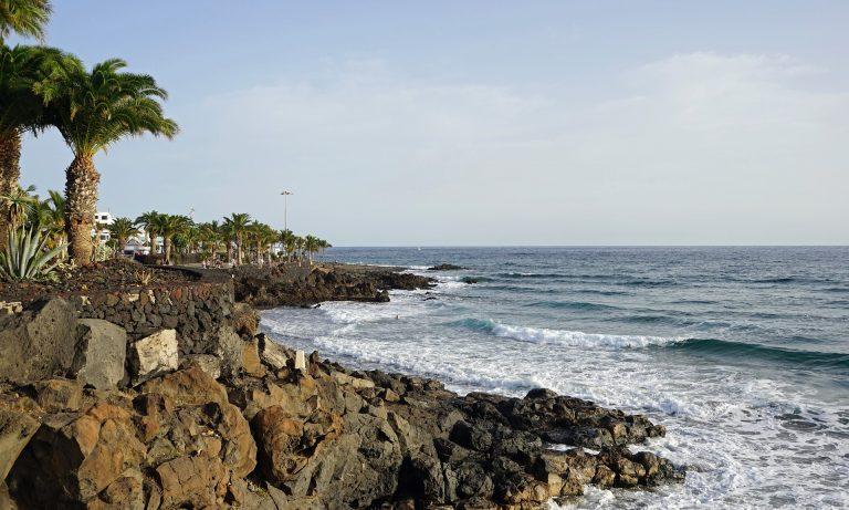 Atrakcje i plaże na Wyspach Kanaryjskich – wczasy dla żądnych wrażeń