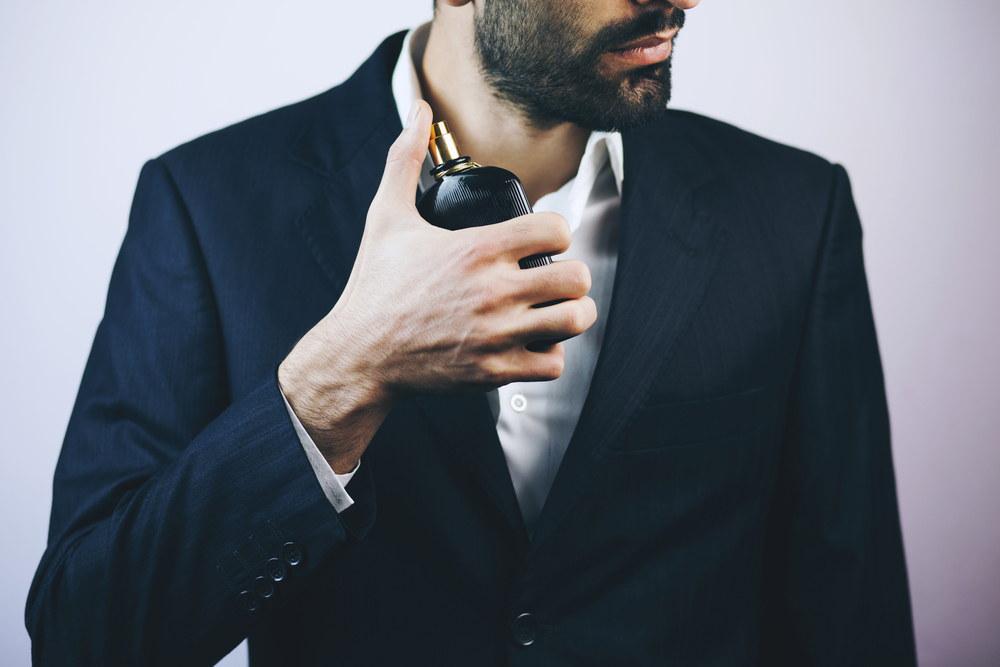 Czym pachnie mężczyzna składniki męskich perfum