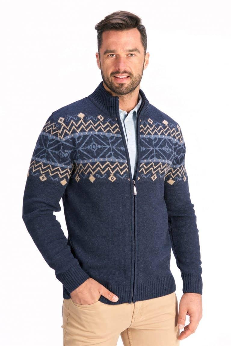 Modne swetry męskie na sezon jesienno-zimowy. Przygotuj się na chłodniejsze dni!