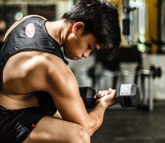 Męski strój na siłownie